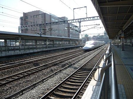 100223-小田原駅 新幹線N700追抜き (23)