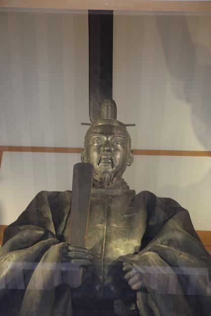 亀山上皇像