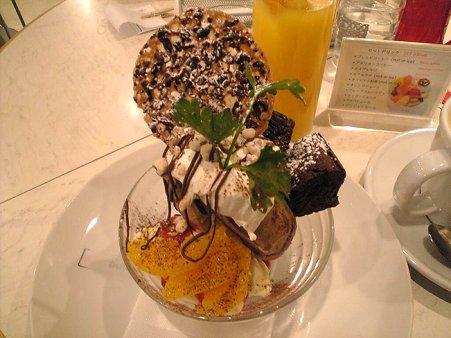 チョコアイスとオレンジのパフェ