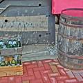 Photos: 空き瓶と樽