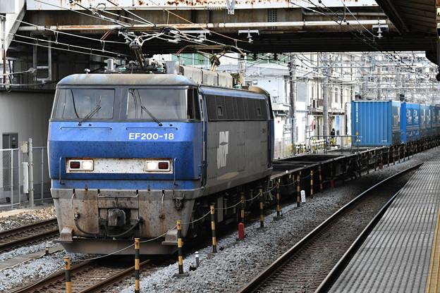 貨物列車 (EF200-18)