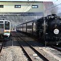 SLレトロ碓氷 (D51498) と信越本線普通列車