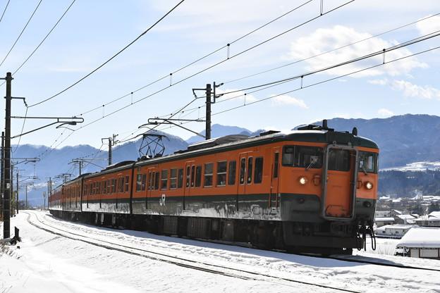 写真: 上越線普通列車 731M (115系)