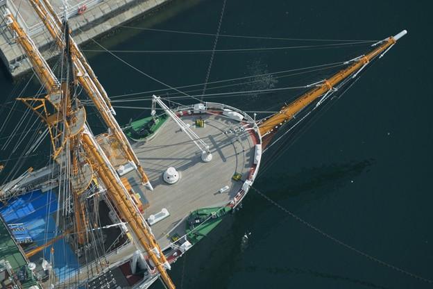 Photos: 日本丸船首俯瞰写真