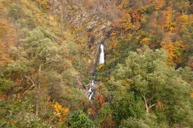 尾丸の滝の全貌