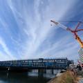 写真: 橋とクレーン