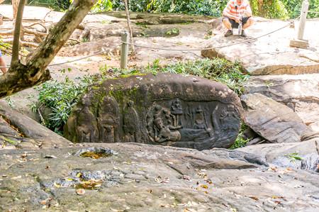 アーナンダに横たわるヴィシュヌ神