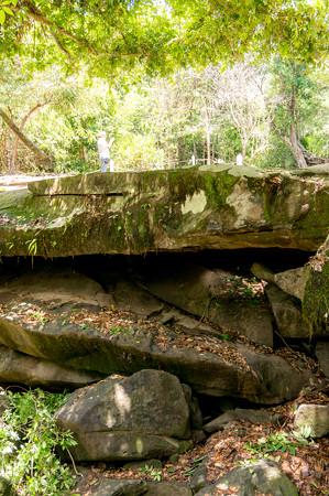 石橋の下側
