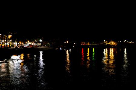夜のビーチをお散歩