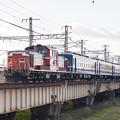 DD51ディーゼル機関車と12系客車