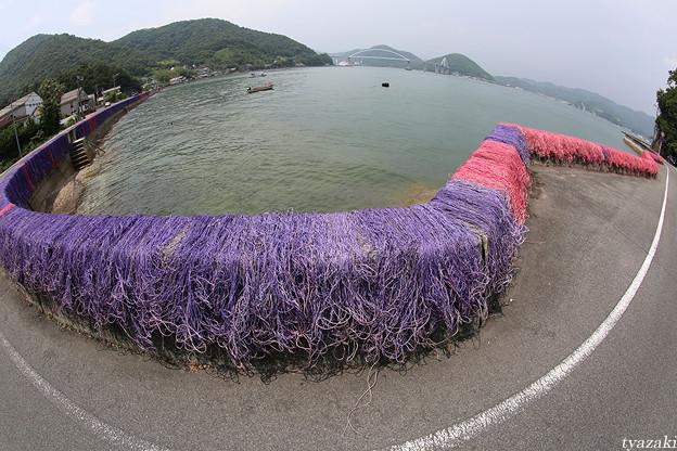 瀬戸内海の赤い漁網2