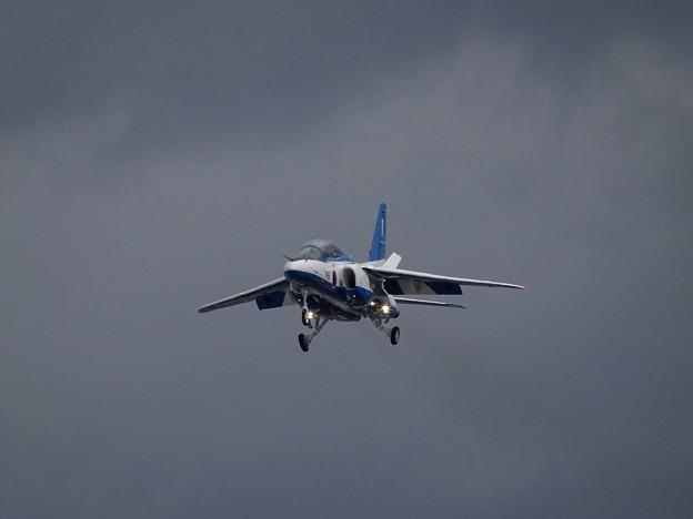 1番機着陸