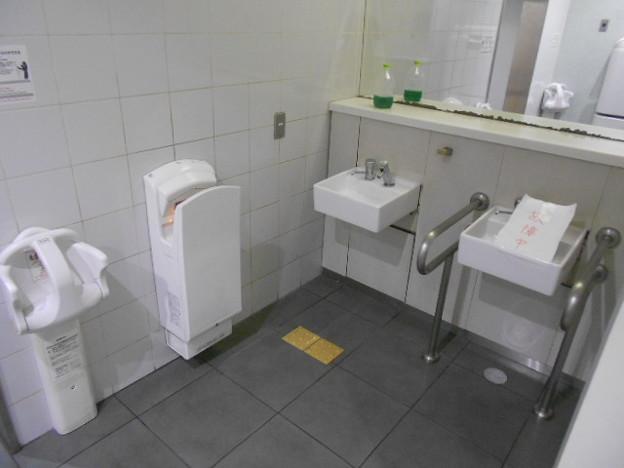 08-04 烏丸御池駅(K08・T13)トイレ(01)