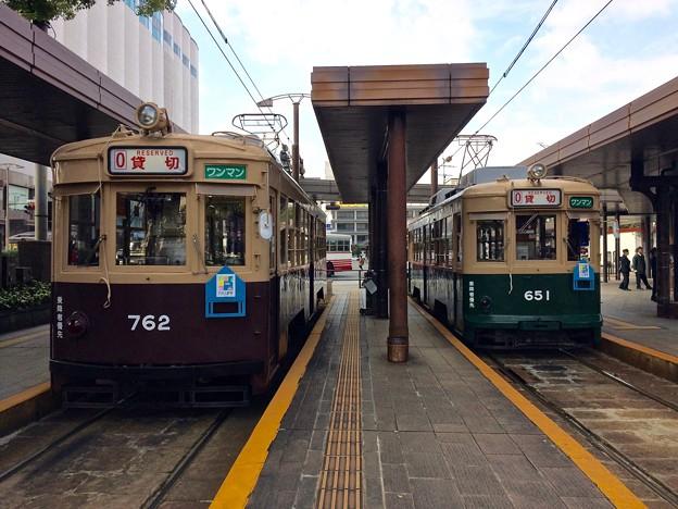 広島電鉄 650形 651号 750形 762号 広島市南区松原町 広島駅電停 2016年11月29日