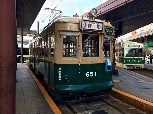 広島電鉄 被爆電車 650形 651号 700形 704号 広島市南区松原町 広島駅電停 2016年11月29日