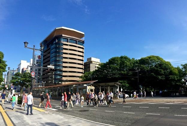 広島電鉄 原爆ドーム前電停 広島市中区大手町1丁目 There are many foreign tourists in Hiroshima