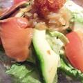 写真: サーモンとアボカドのサラダ...