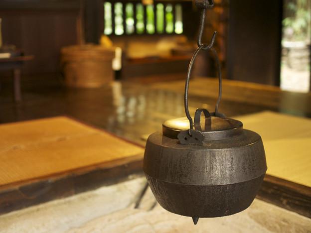 囲炉裏と鉄瓶