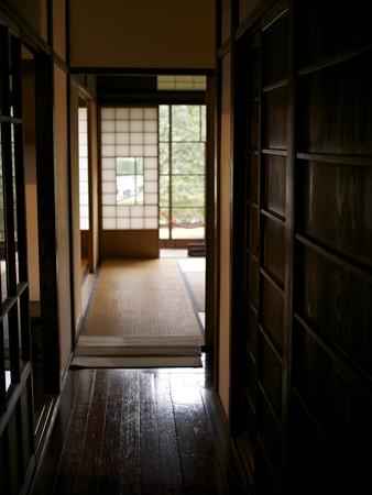 和室へ続く廊下