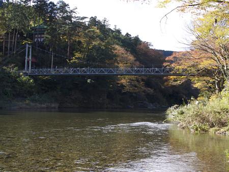 楓橋を見上げて