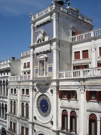 サン・マルコ寺院から時計塔