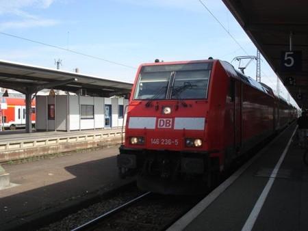 クロイツリンゲン行き快速(オッフェンブルク駅)
