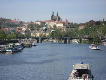 ヴルタヴァ川とプラハ城