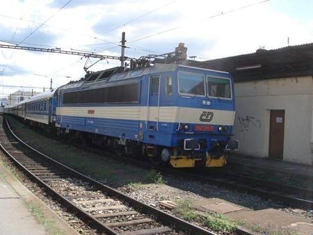 機関車(ブルノ駅)(2)
