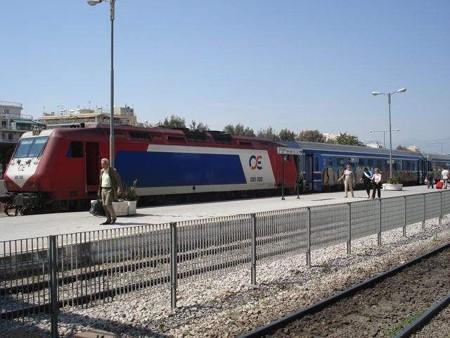 アテネ行き列車(アテネ駅)
