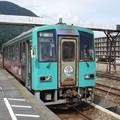 写真: 富山行き普通列車(猪谷駅)