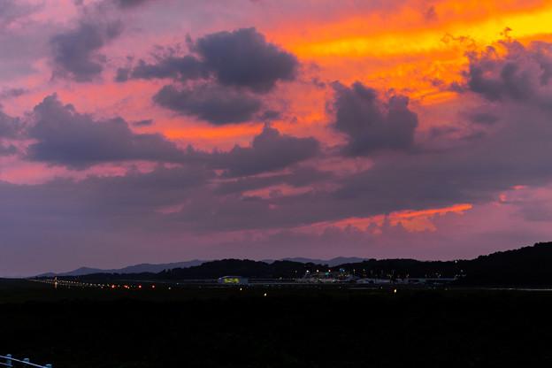 岡山空港の夕焼け