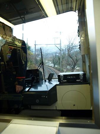 箱根登山電車の車窓(小涌谷界隈)