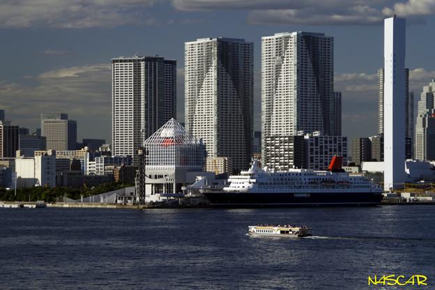 """写真: 晴海客船ターミナルに停泊する""""にっぽん丸"""" 18092017"""
