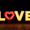 写真: LOVE 19112017