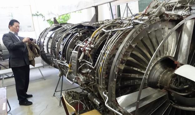 こんなエンジンが触れる環境です