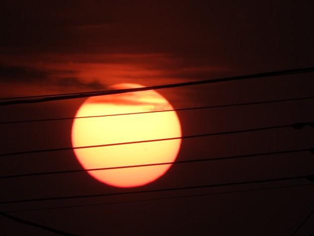 写真: 落陽05 美しい朱のリング