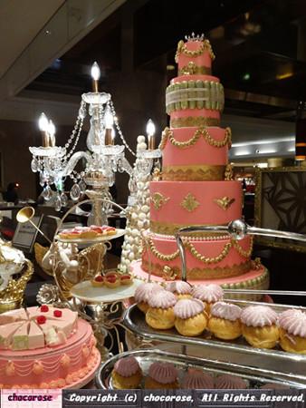 ピンクなケーキ