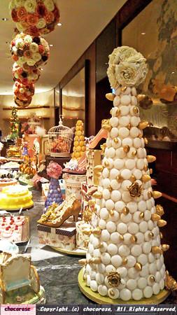マカロンタワーとケーキたち