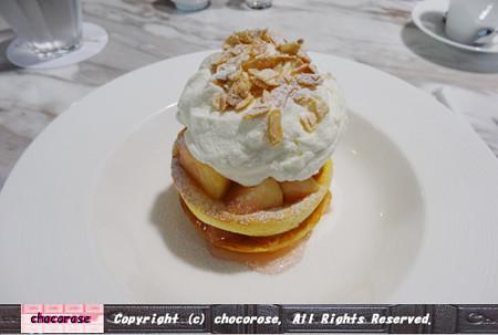 桃とリコッタチーズのパンケーキ