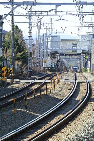 谷保駅を通過する8092レ