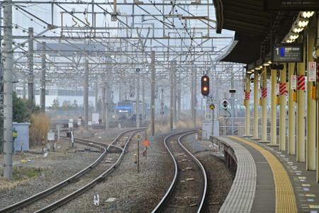 新川崎駅より新鶴見信号所を臨む