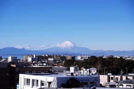 2017.12.28 湘南江ノ島駅 富士山と海