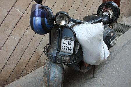 2010.02.05 オールドデリー オートバイ