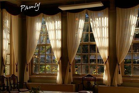 窓のなか・・