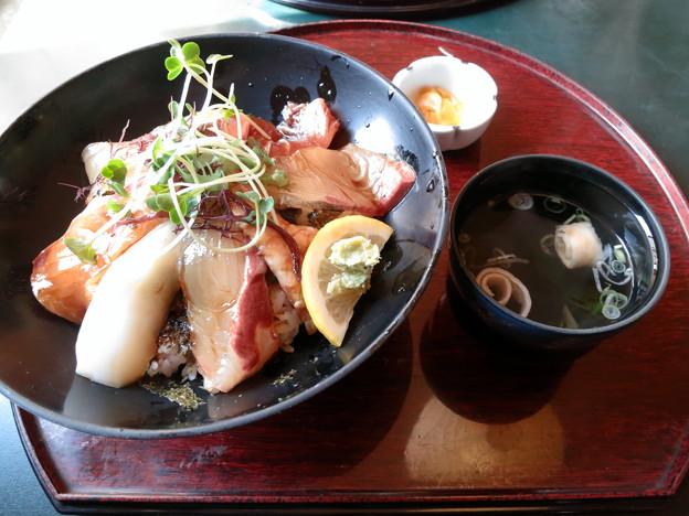 喜船の海鮮丼