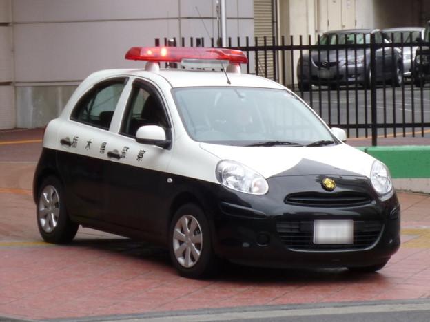 栃木県警察 日産マーチ