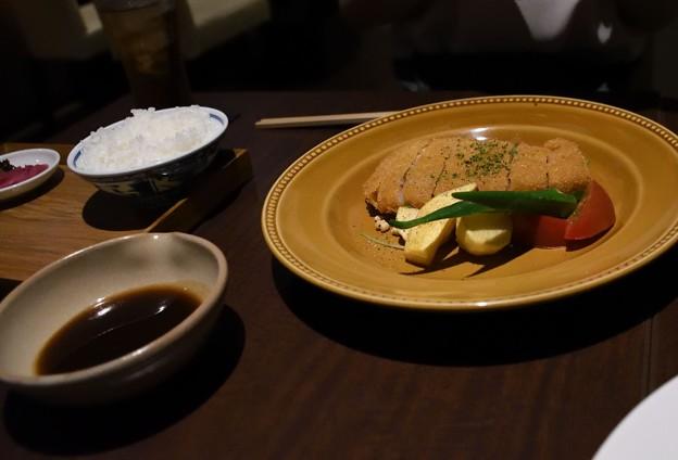 豚ロースカツ(1750円)とライス(300円)