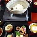 写真: 湯豆腐つきで2千円台