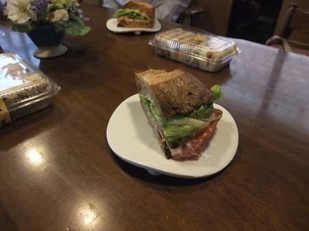 美味しいサンドイッチをご馳走になりました