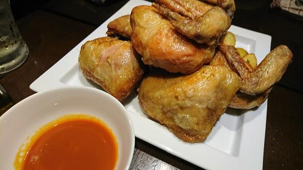 ひな鶏のロティバーベキューソースフライドポテト添え